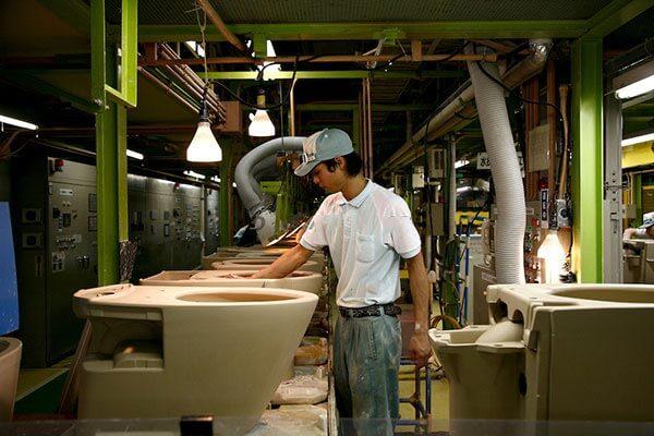 Chất liệu sản xuất bồn cầu Caesar