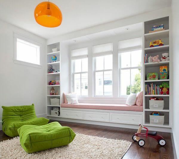 Thiết kế kích thước cửa sổ kính trong phòng khách không gian nhỏ