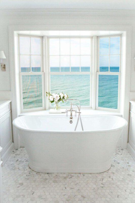 Nhà vệ sinh bên bãi biển