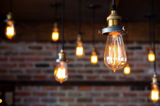 Ánh sáng dễ di chuyển với đèn lớn